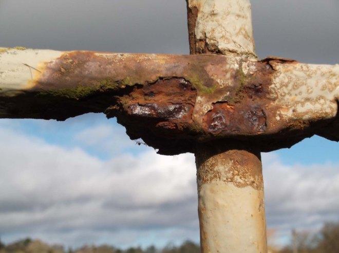 ironwork rusting