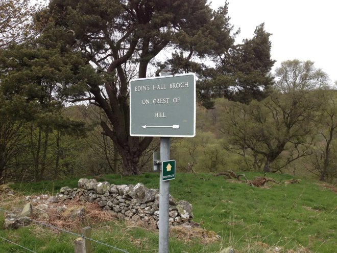 Route sign to Edin's Hall Broch