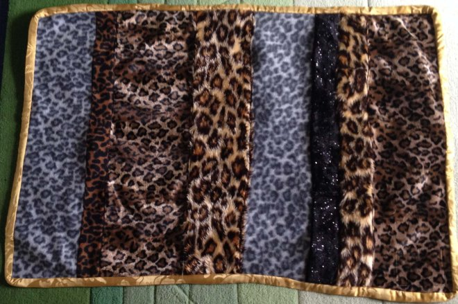 Animal print givewrap