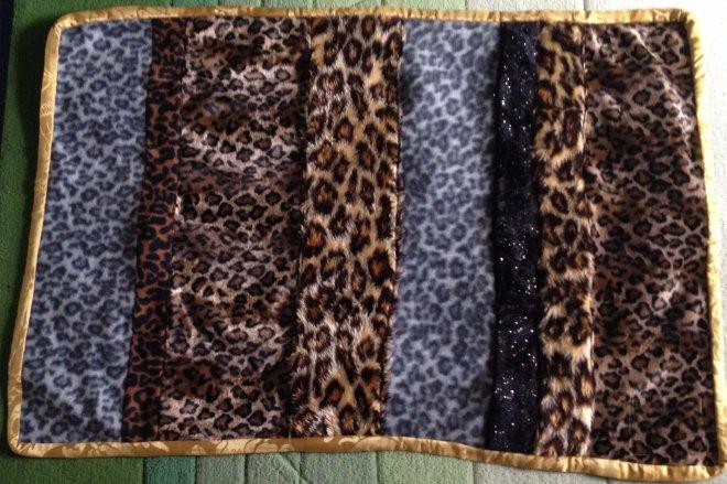 Animal print givewrap