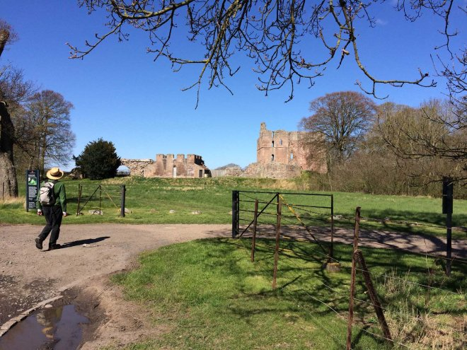 arrive at Norham castle
