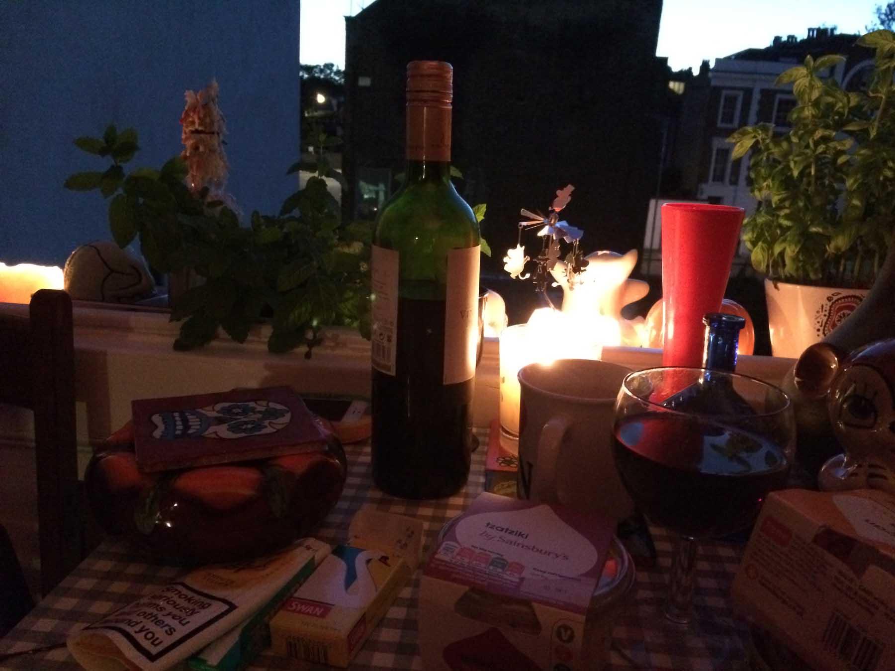 candlelit-window-picnic