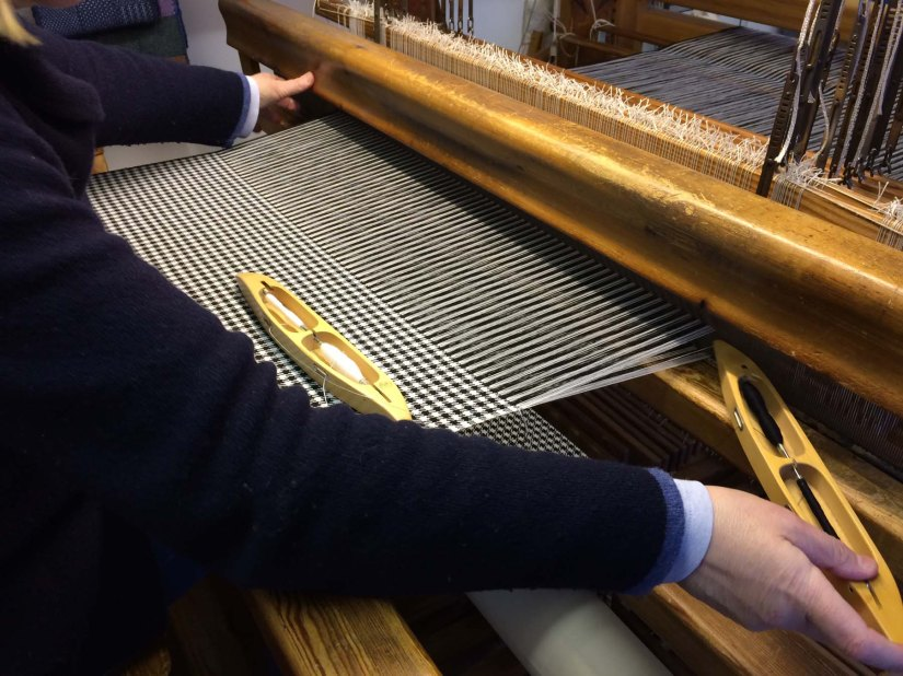 Making a Northumbrian piper'splaid