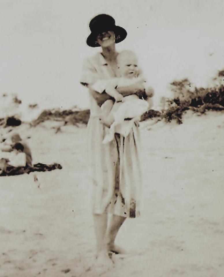 Dora & Dick, Cowes, Australian, Xmas 1926